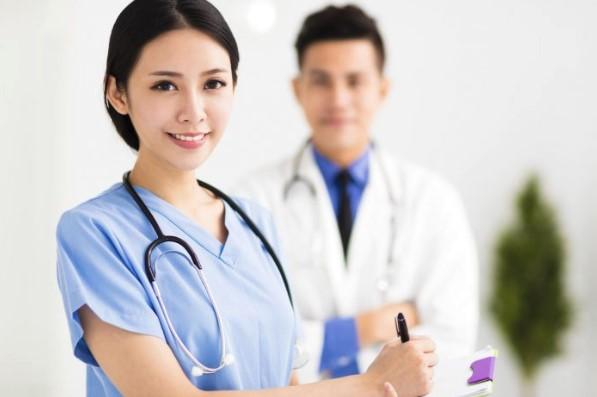 enfermeras de blanco