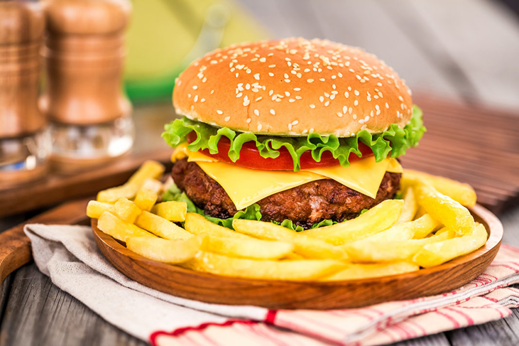 Ricas hamburguesas de vegetales y carne